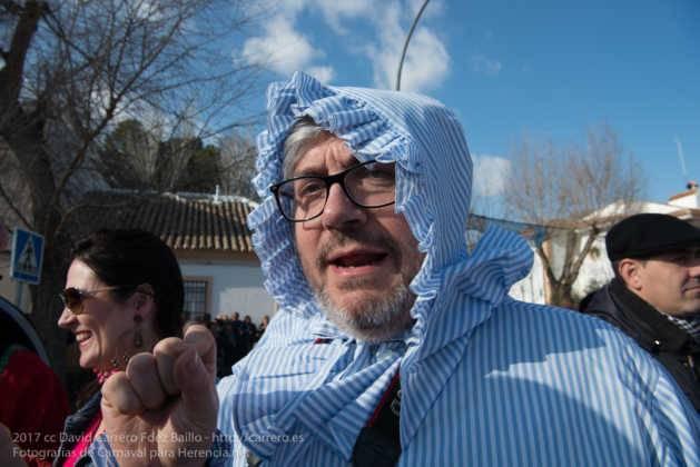 Un Perlé de más de tres metros da la bienvenida al Carnaval de Herencia 68