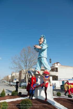 Un Perlé de más de tres metros da la bienvenida al Carnaval de Herencia 69