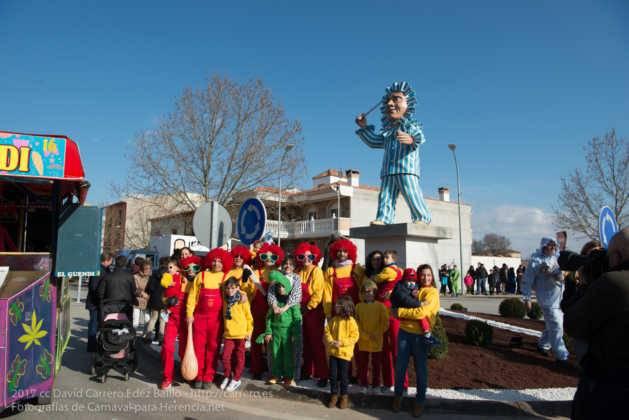 escultura perle en domingo deseosas carnaval herencia 67 629x420 - Un Perlé de más de tres metros da la bienvenida al Carnaval de Herencia