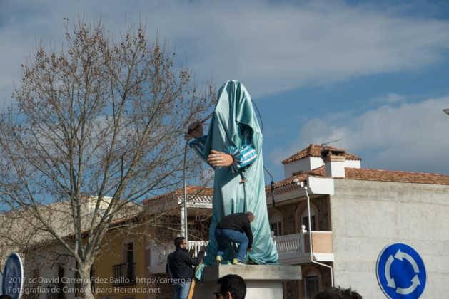 escultura perle en domingo deseosas carnaval herencia 7 629x420 - Un Perlé de más de tres metros da la bienvenida al Carnaval de Herencia