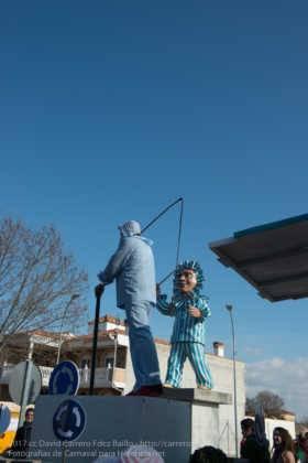 Un Perlé de más de tres metros da la bienvenida al Carnaval de Herencia 74