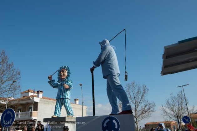 Un Perlé de más de tres metros da la bienvenida al Carnaval de Herencia 75