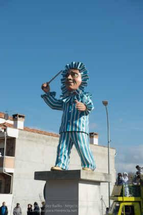 escultura perle en domingo deseosas carnaval herencia 73 280x420 - Un Perlé de más de tres metros da la bienvenida al Carnaval de Herencia