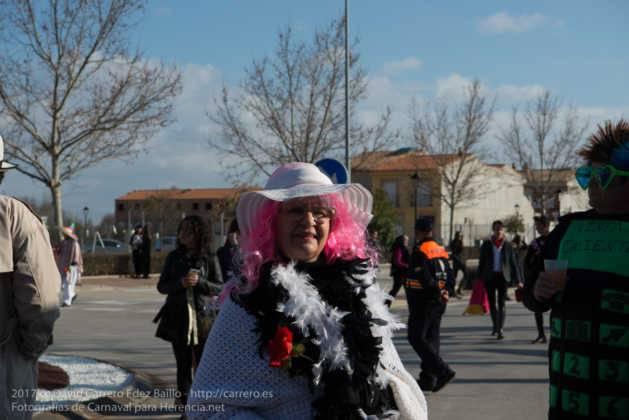 Un Perlé de más de tres metros da la bienvenida al Carnaval de Herencia 78