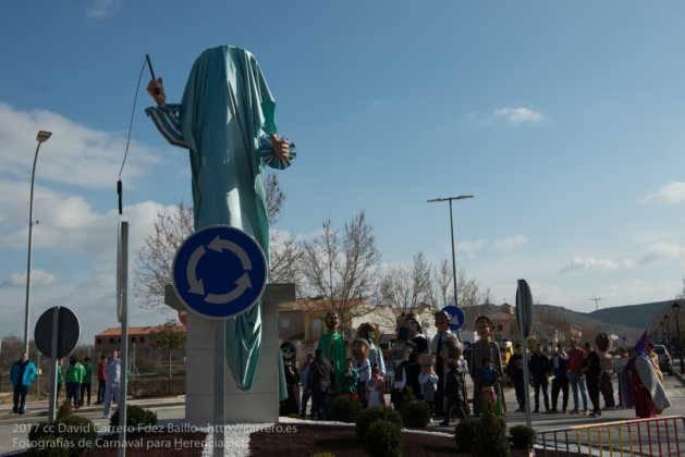 escultura perle en domingo deseosas carnaval herencia 8 629x420 - Un Perlé de más de tres metros da la bienvenida al Carnaval de Herencia