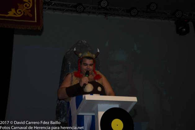 inauguracion carnaval de herencia 2017 en palacio 10 629x420 - El Carnaval de Herencia inaugura su fiesta más destacada