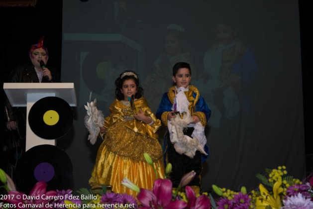 inauguracion carnaval de herencia 2017 en palacio 5 629x420 - El Carnaval de Herencia inaugura su fiesta más destacada