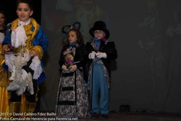 inauguracion carnaval de herencia 2017 en palacio 6 629x420 - El Carnaval de Herencia inaugura su fiesta más destacada