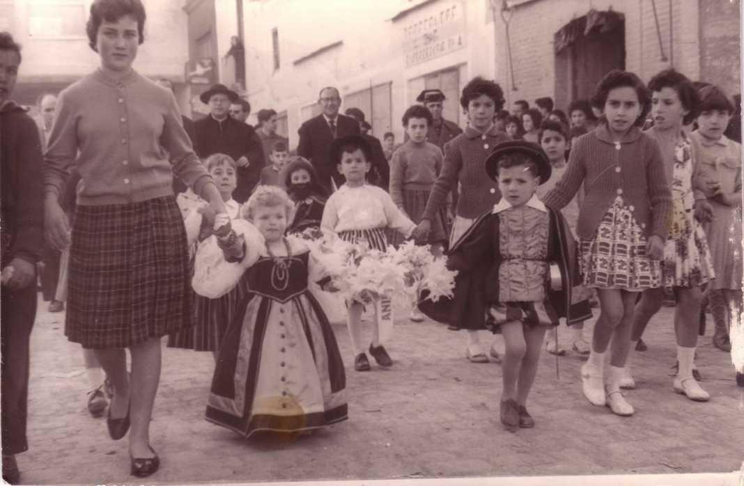 jineta de animas 1950 1068x698 - Seguimos con la historia del Carnaval de Herencia a través de imágenes