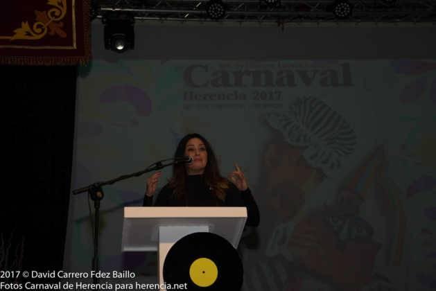 nani gaitan pregonera de carnaval de Herencia 629x420 - El Carnaval de Herencia inaugura su fiesta más destacada