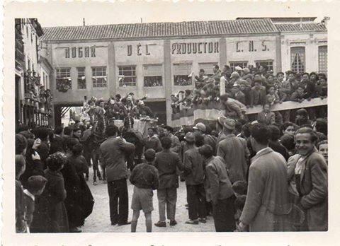 ofertorio de carnaval de herencia en los 50 - Recuerdos del Carnaval de Herencia a través de fotografías antiguas