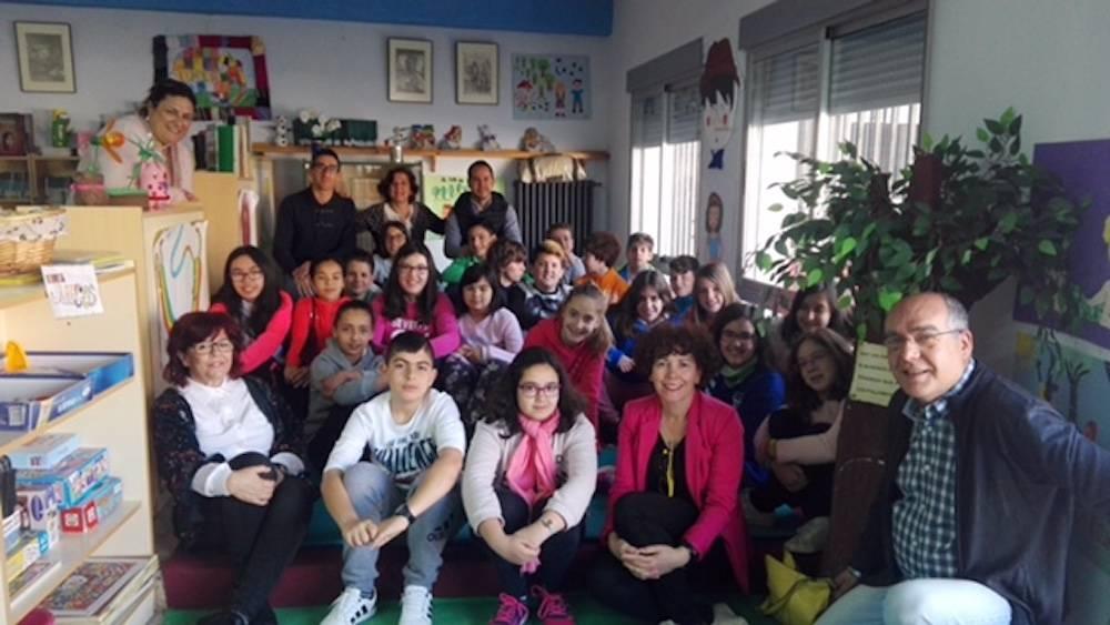 Carmen Pimienta Maraton carrasco alcalde herencia - Instituto de la Mujer de Castilla-La Mancha sensibilizan sobre los valores de igualdad con un maratón de lectura en Herencia
