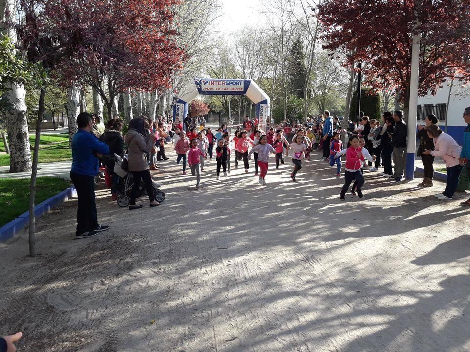 """cross del parque 1 - Alumnos del CEIP Carrasco Alcalde participaron en la carrera """"Cross del Parque"""""""
