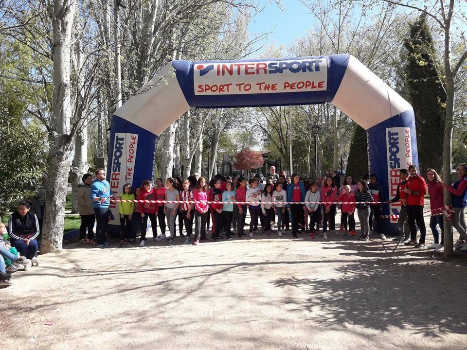 """cross del parque 2 - Alumnos del CEIP Carrasco Alcalde participaron en la carrera """"Cross del Parque"""""""
