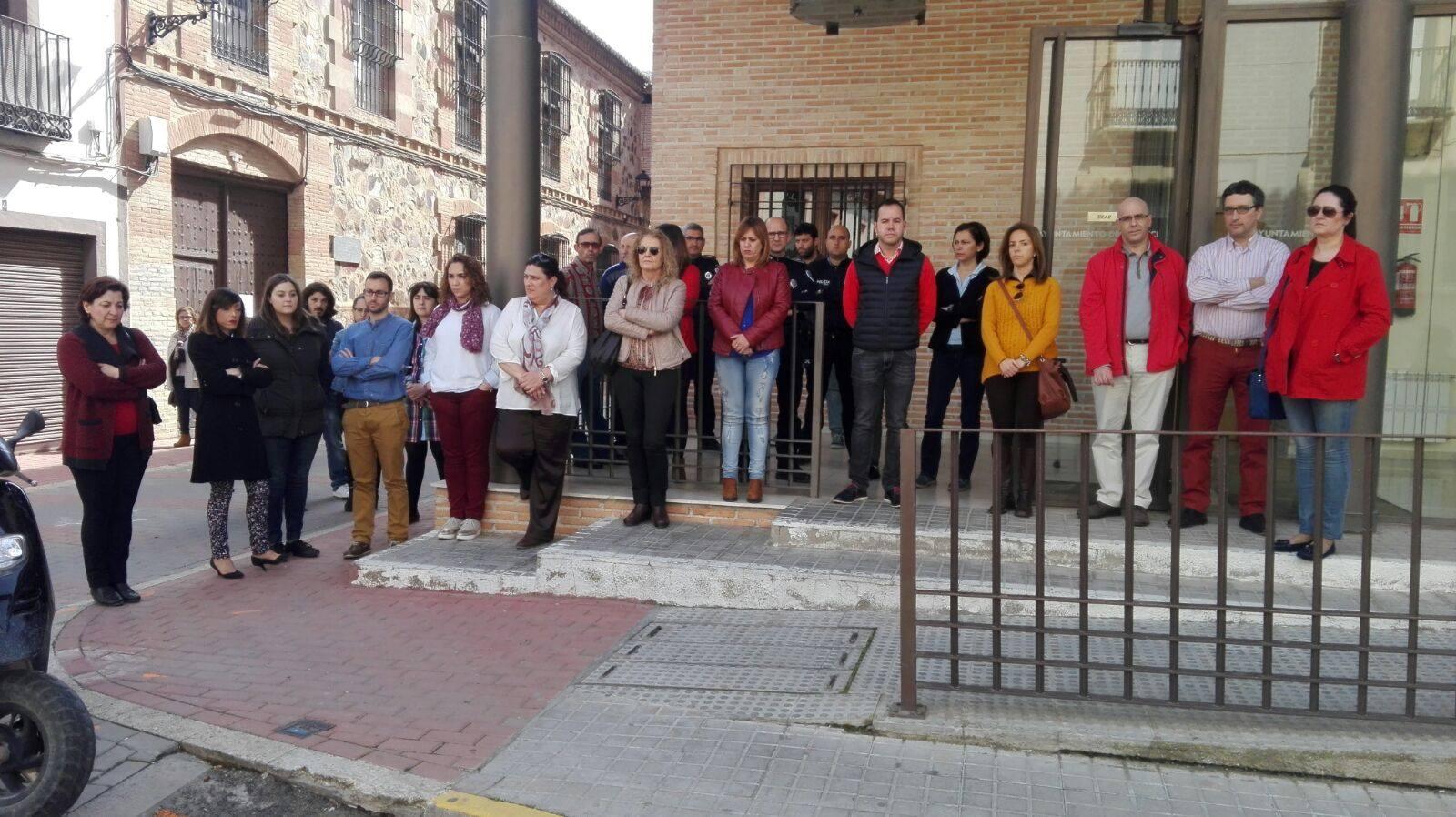 herencia contra violencia machista - Silencio en Herencia contra la violencia de género en apoyo a Campo de Criptana
