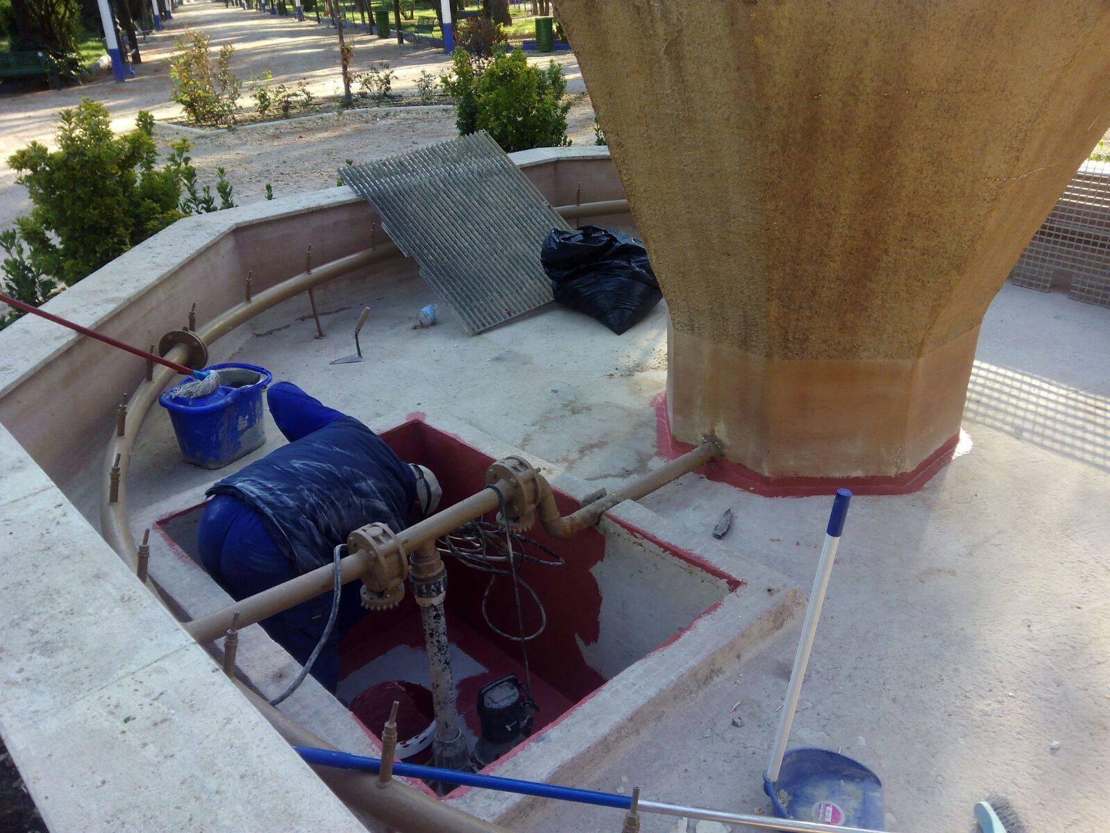 mantenimiento fuente parque municipal herencia - Más mantenimiento del Parque Municipal con la llegada del verano