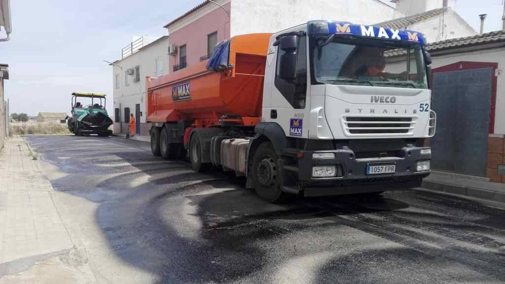 Asfaltado 1 - Culmina el Plan de Asfaltado en Herencia para el año 2017