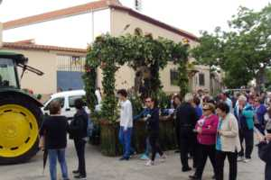 Bendición de la maquinaria agrícola en la procesión de San Isidro 1