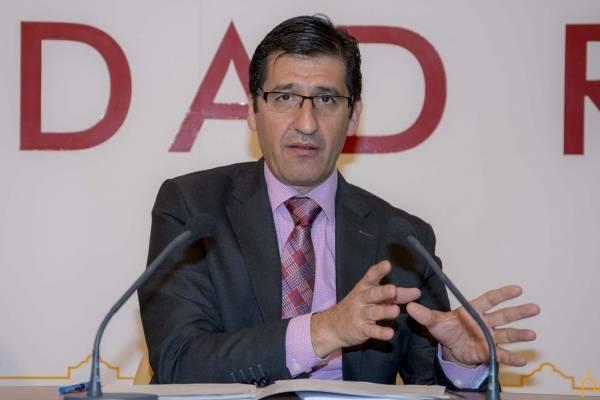 caballero en rueda prensa diputacion - Firmado anticipio de recaudación de 17 millones de euros, el mayor de la historia de la Diputación de Ciudad Real