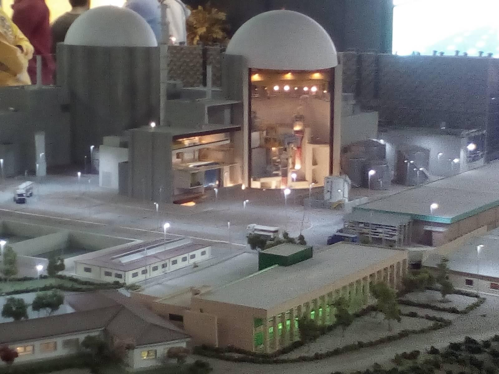 central nuclear - El IES Hermógenes Rodríguez visita el pantano de Navalcán y la Central Nuclear de Almaraz