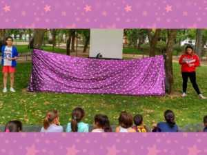 cuentacuentos bilinge 14 1024 300x225 - Cuentos en inglés en el Parque de la mano del Hermógenes Rodriguez