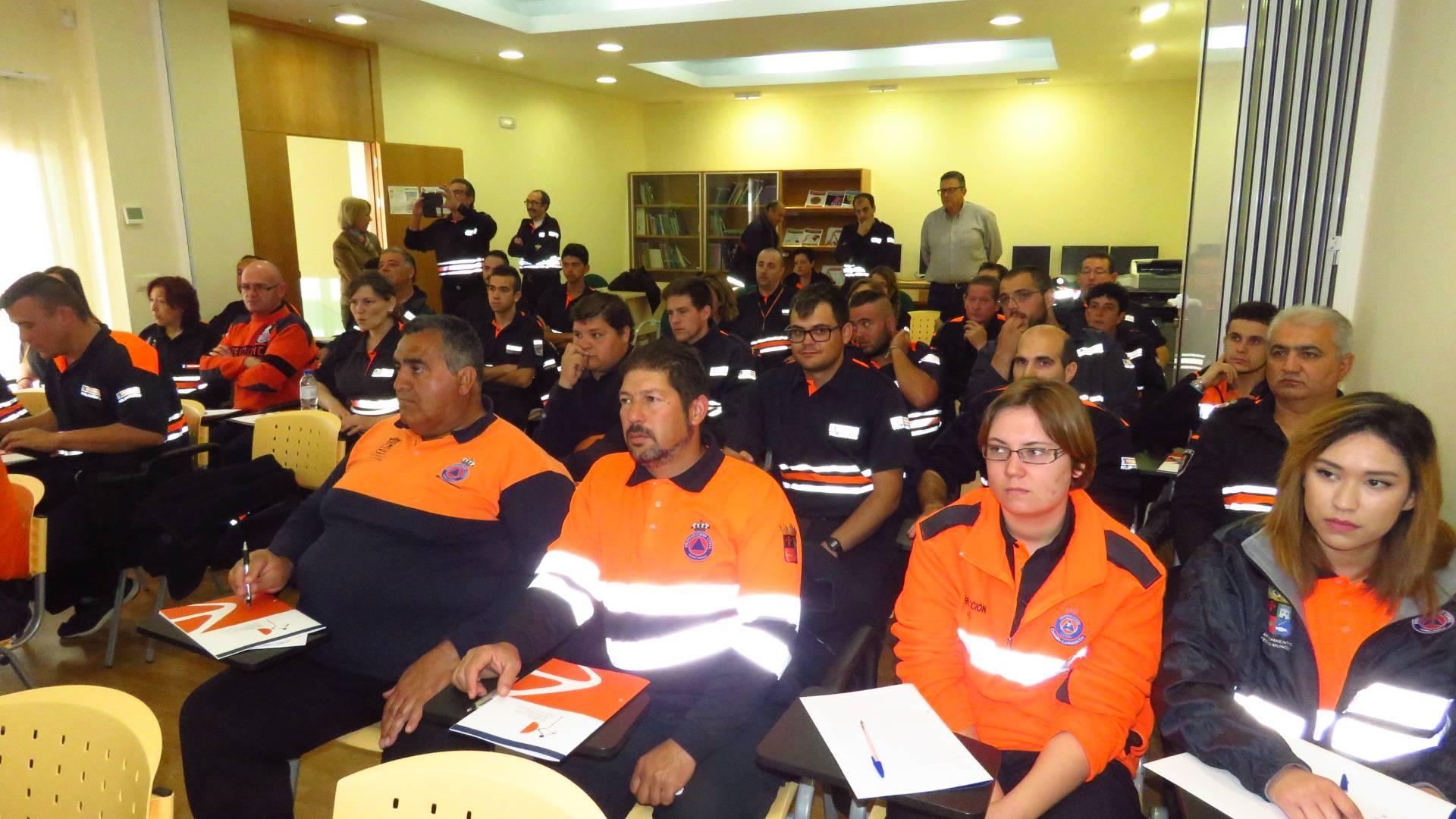 formacion proteccion civil manzanares - Protección civil de Herencia se forma en Manzanares junto con 60 voluntarios