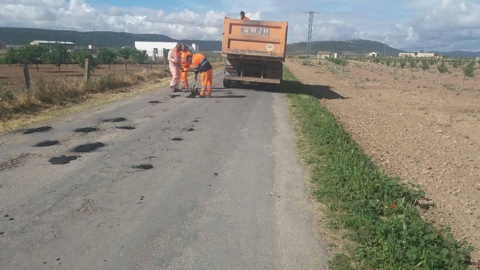 mantenimiento caminos hacia pozos de agua 2 - Mantenimiento y conservación de caminos para las romerías