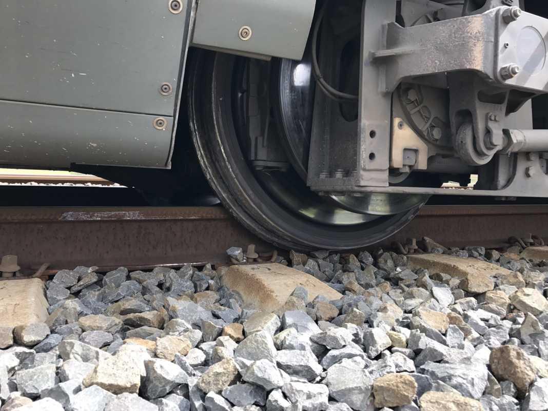 rudea de tren ave descarrilada 1068x801 - Viajeros afectados por el descarrilamiento de una AVE en Ciudad Real