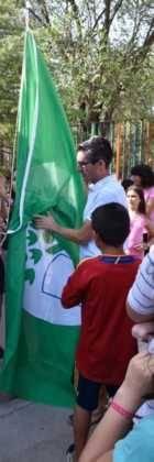 Acto entrrega bandera verde 6 140x420 - Entregada la distinción de Ecoescuela al CEIP Carrasco Alcalde