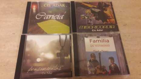 Cis Adar discografía 465x262 - Cis Adar celebra los 6 años de la grabación de su primer disco con un concierto