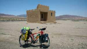 Perlé en el desierto persa celebrando su Cumpleaños. 29