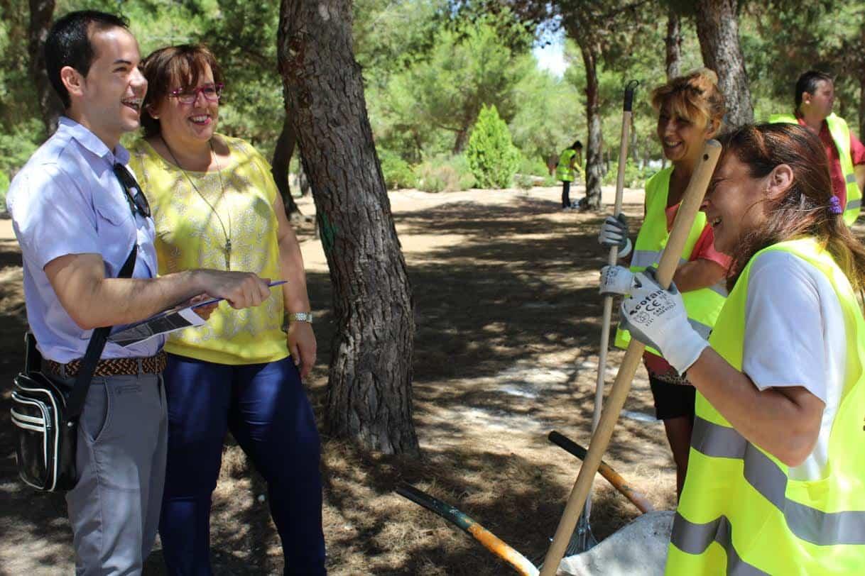 Visita de Carmen Teresa Olmedo a Herencia - El Gobierno de García-Page invierte más de 306.000 euros en Herencia para fomentar el empleo de 56 personas desde el inicio de la legislatura