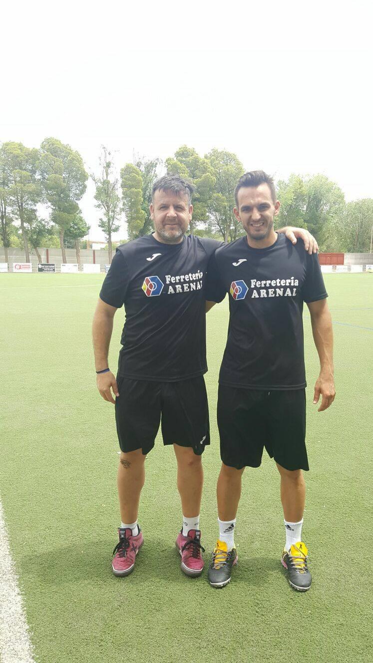 Herencianos Chechu y Victor campeones con el Ferretería Arenal en el 24 horas de Futbol 7 9
