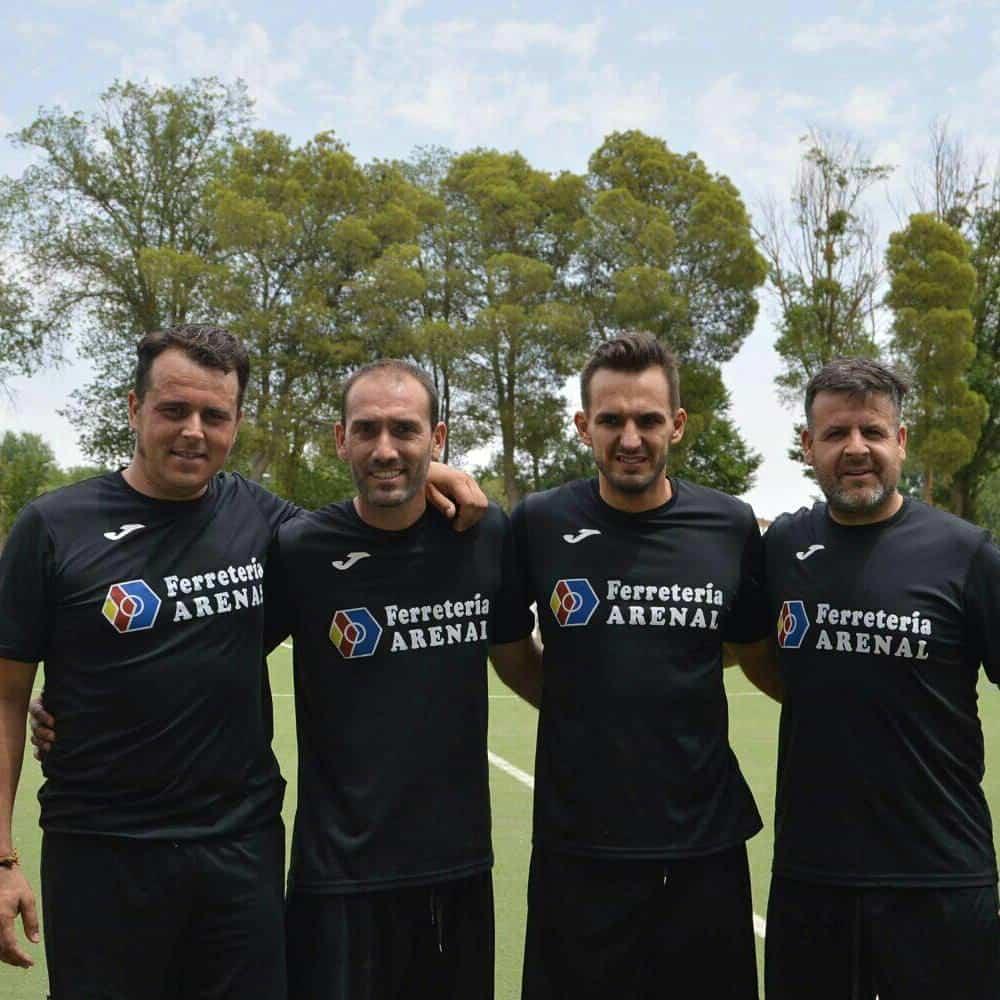 Herencianos Chechu y Victor campeones con el Ferretería Arenal en el 24 horas de Futbol 7 8