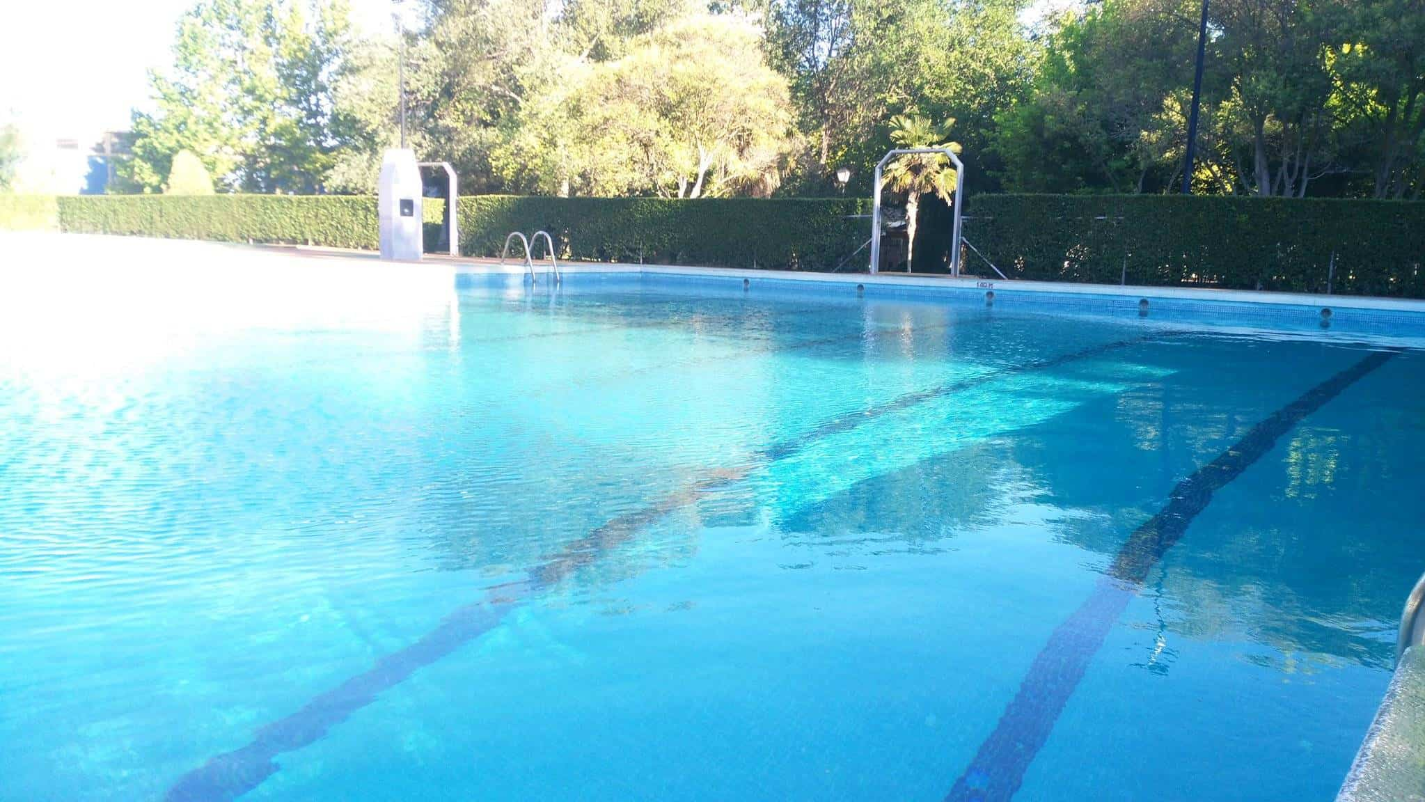 piscina municipal llena agua 2017 - La Piscina Municipal está lista para su apertura el 15 de junio