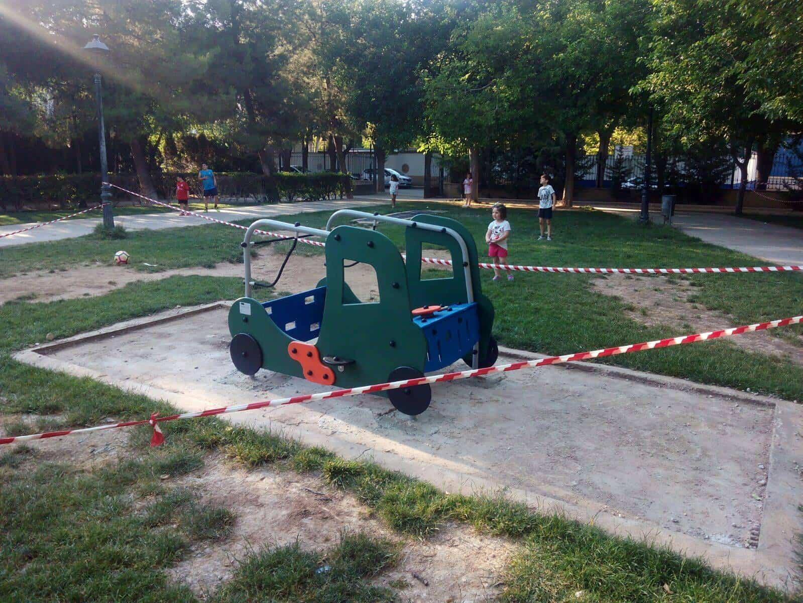 coche: Renovada la zona infantil de Parque Municipal de Herencia