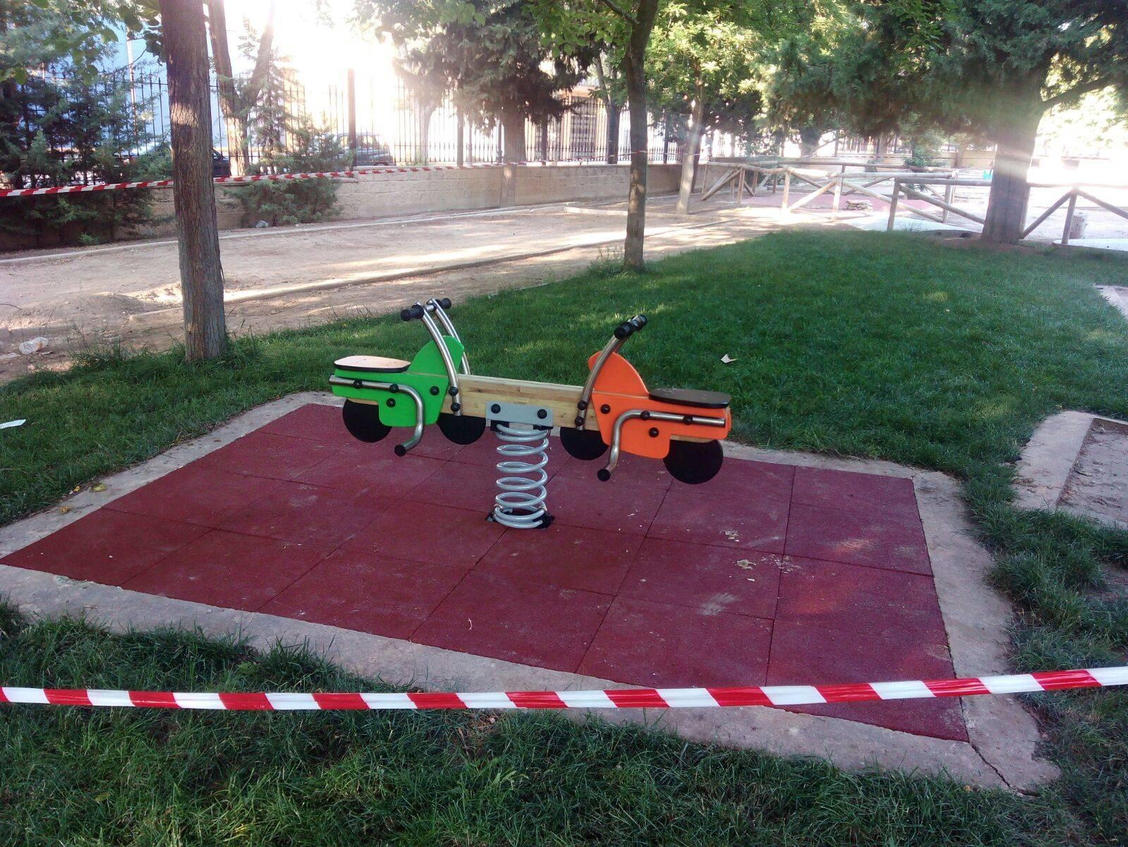 Renovada la zona infantil de Parque Municipal de Herencia