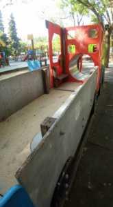 Zona infantil del parque sigue necesitando una renovación urgente 8