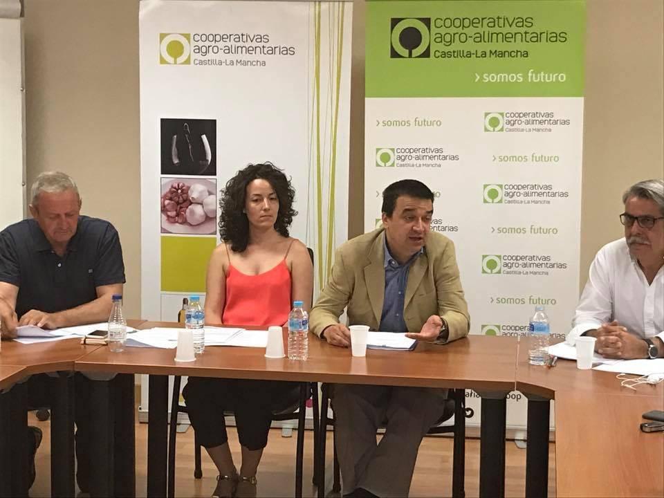 Comisi%C3%B3n de J%C3%B3venes Cooperativistas de Castilla La Mancha02 - Los jóvenes cooperativistas buscan impulsar su papel en el mundo rural
