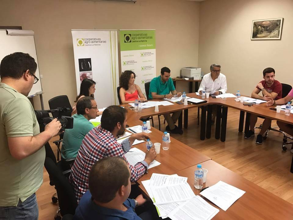 Comisi%C3%B3n de J%C3%B3venes Cooperativistas de Castilla La Mancha04 1 - Los jóvenes cooperativistas buscan impulsar su papel en el mundo rural