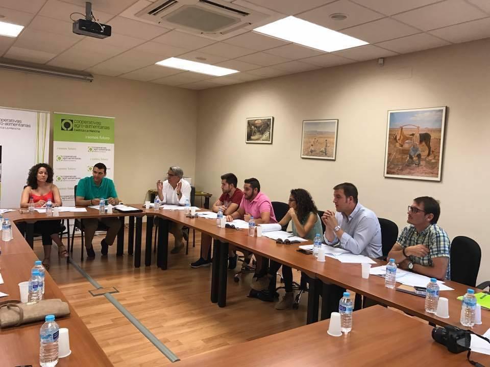 Comisi%C3%B3n de J%C3%B3venes Cooperativistas de Castilla La Mancha07 - Los jóvenes cooperativistas buscan impulsar su papel en el mundo rural