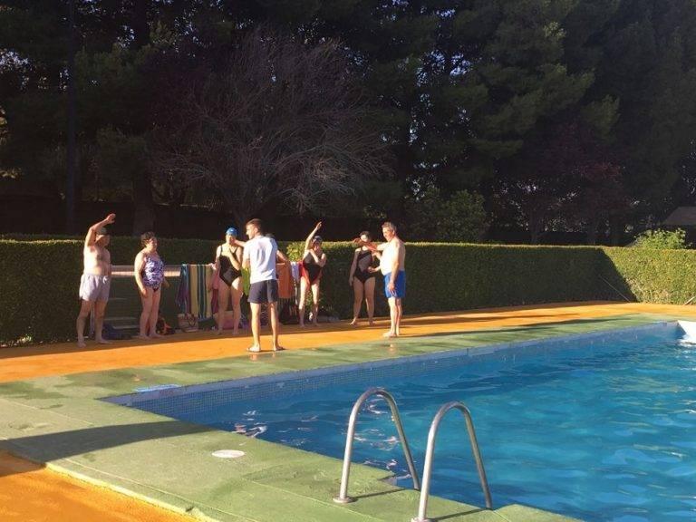 Cursos natación - Más de 500 personas inscritas en los cursos de natación