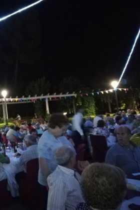 Encuentro de mayores de Herencia03 280x420 - Más de 300 personas en la I Cena de Gala del Día de los Abuelos