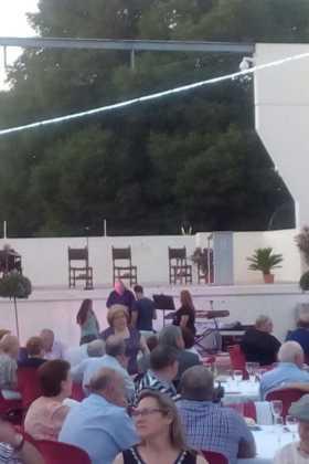 Encuentro de mayores de Herencia08 280x420 - Más de 300 personas en la I Cena de Gala del Día de los Abuelos