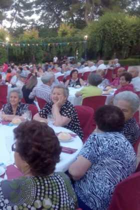 Más de 300 personas en la I Cena de Gala del Día de los Abuelos 11