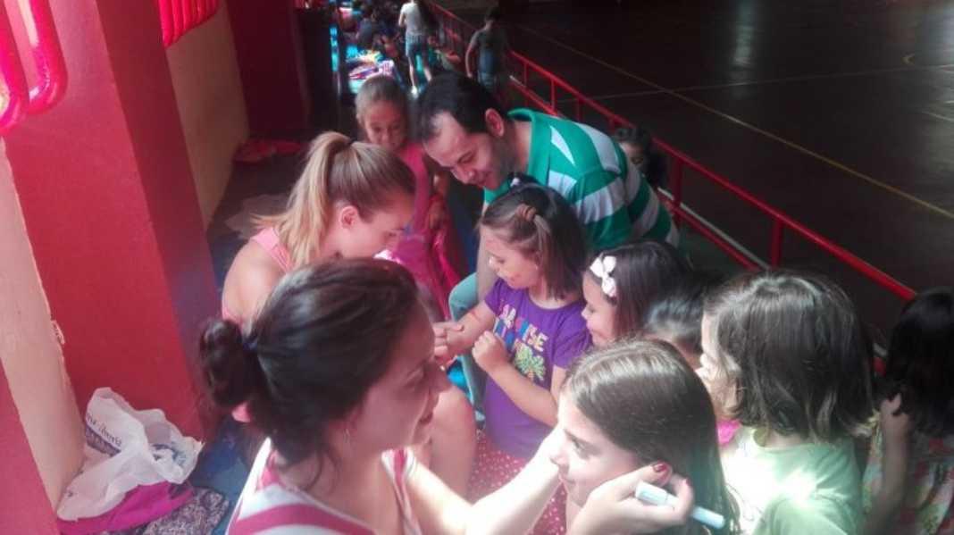 115 niños y niñas asisten en julio a la Escuela de Verano 1