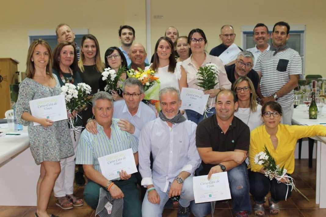 V curso de cata vino herencia 1 1068x712 - Fotografías de la Clausura del V Curso de Cata en Herencia