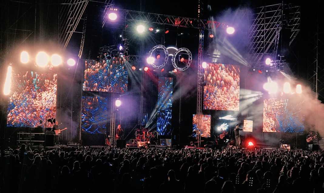 Cientos de personas disfrutan del concierto de Melendi en Herencia 2