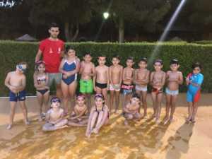 Finalizan los cursos de natación de julio 2017 en Herencia 8