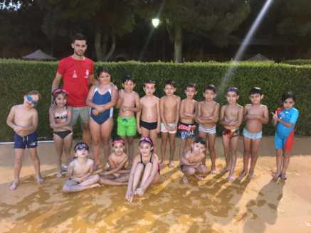 finalizan cursos natacion julio 2017 herencia 8